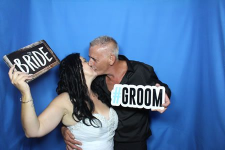 Sneaky Kiss - Photo Booth Hire